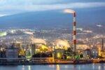 静岡県の海沿いの工場
