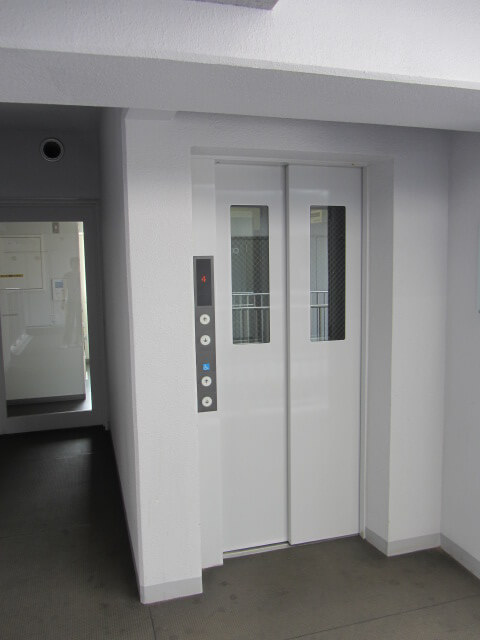 追浜西ドミトリーの寮のエレベーター