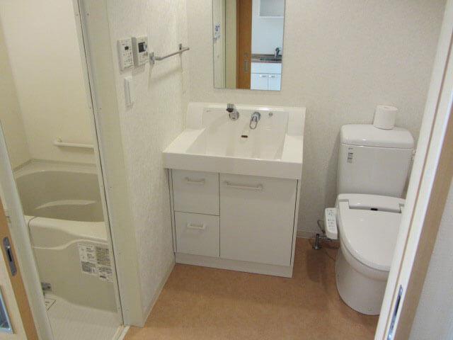 追浜西ドミトリーの部屋のトイレと洗面所とバスルーム