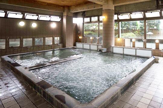 クロシェット岩舟寮の大浴場